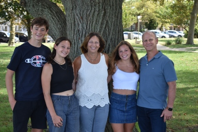 Ellen & Family 2